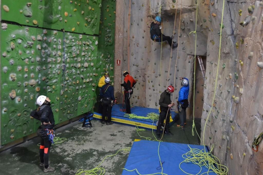 jornada-tecnica-barrancos-cursos-barranquismo-canyontrekguara1