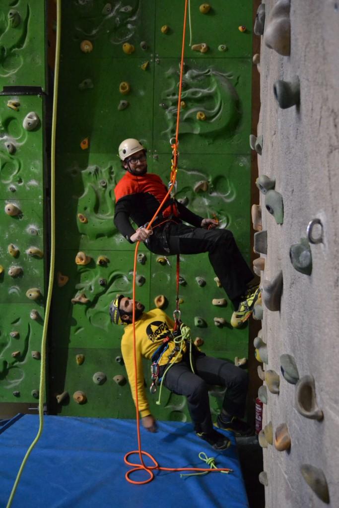 jornada-tecnica-barrancos-cursos-barranquismo-canyontrekguara2