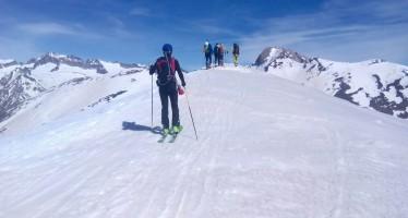 Encuentro pirenaico de esquí de montaña. De Ampriu al Refugio de Cap de Llauset